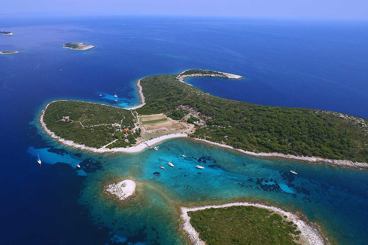 Budikovac Blue lagoon
